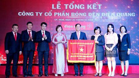 Bo Cong Thuong phan hoi ve thu truong so huu tram ti - Anh 1