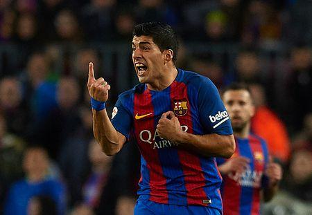 Barca that bai khi khang an cho Luis Suarez - Anh 1