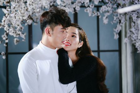 Ung Hoang Phuc au yem Kim Cuong trong MV moi - Anh 1