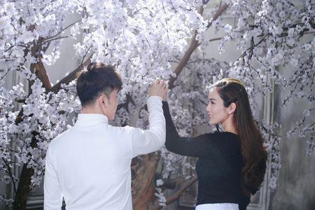 Ung Hoang Phuc au yem Kim Cuong trong MV moi - Anh 2