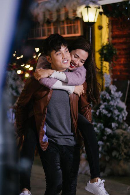 Ung Hoang Phuc au yem Kim Cuong trong MV moi - Anh 7