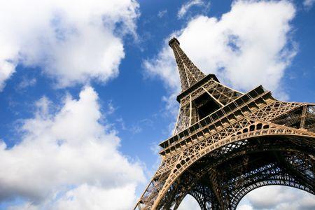 Lap tuong kinh chong dan cho thap Eiffel - Anh 1