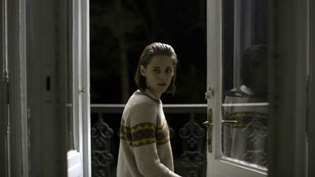 Kristen Stewart kiet suc khi lam tro ly thoi trang - Anh 2