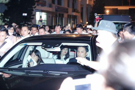 Yoona cua SNSD den TP.HCM luc nua dem, fan Viet ngay ngat - Anh 3