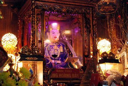 Thuc hu chuyen ong Hoang Bay von la... 'trum buon thuoc phien'? - Anh 2