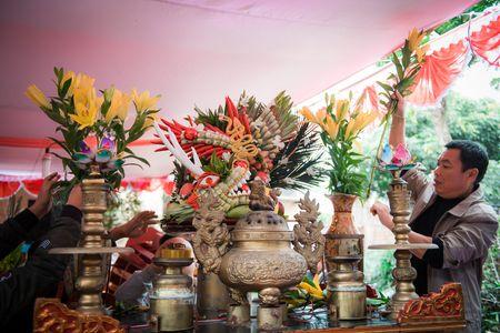 Nguoi dan La Phu tung bung ruoc 'Ong lon' 200kg trong dem - Anh 10