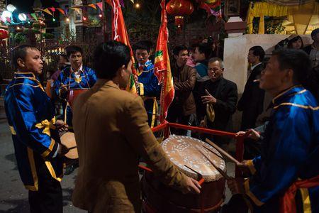 Nguoi dan La Phu tung bung ruoc 'Ong lon' 200kg trong dem - Anh 14
