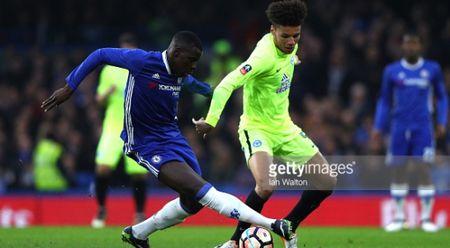 Antonio tiet lo chia khoa thanh cong cua Chelsea - Anh 1
