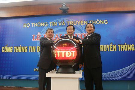 Bo TT&TT ban hanh Quy che quan ly, cung cap thong tin va dich vu cong truc tuyen - Anh 1
