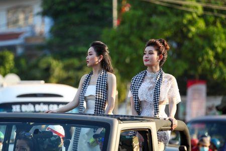 Dan voi Tay Nguyen tham gia dieu hanh le hoi duong pho Buon Ma Thuot - Anh 12