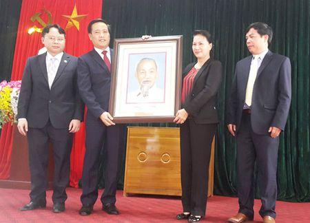 Chu tich Quoc hoi tham huyen vung sau Nam Nhun - Anh 1