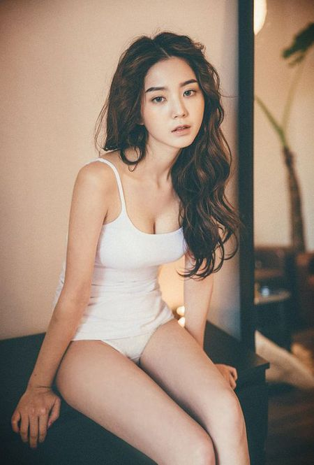 'Bong mat' ngam 10 co gai boc lua nhat xu Han - Anh 6