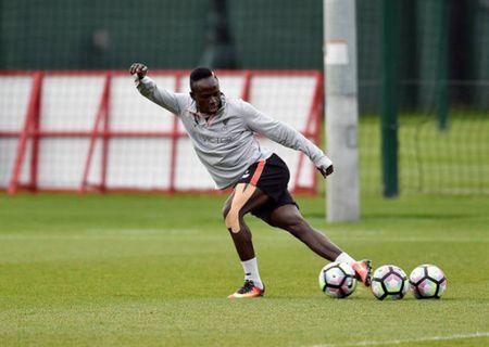 Chum anh: Quyet ha Burnley, sao Liverpool cham chi luyen Rabona - Anh 7