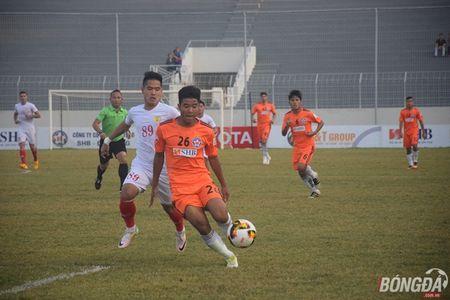 Hoa hu via TP.HCM, SHB Da Nang lo co hoi ap sat nhom dau - Anh 1