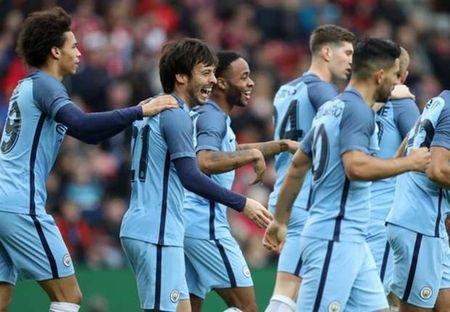 Man City thang tien o Cup FA, Pep van chua hai long - Anh 1