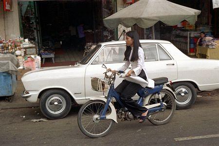 Anh doc: 'Du sac thai' phu nu Sai Gon nam 1973 (2) - Anh 1