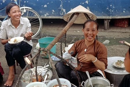 Anh doc: 'Du sac thai' phu nu Sai Gon nam 1973 (2) - Anh 2