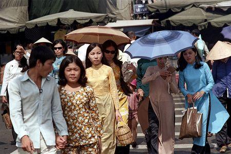 Anh doc: 'Du sac thai' phu nu Sai Gon nam 1973 (2) - Anh 9