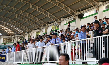 17 gio chieu nay, truc tiep bong da V-League 2017: HAGL dau Sanna Khanh Hoa - Anh 3