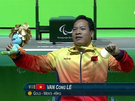 Thanh tich dac biet cua 10 guong mat tre Viet Nam tieu bieu 2016 - Anh 9