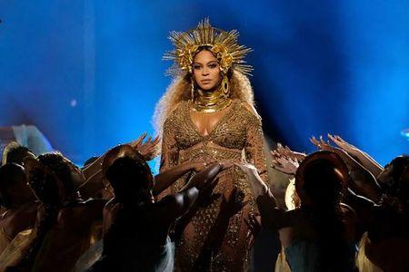 Huong Giang Idol 'dao' hinh tuong nu than cua Beyonce? - Anh 2