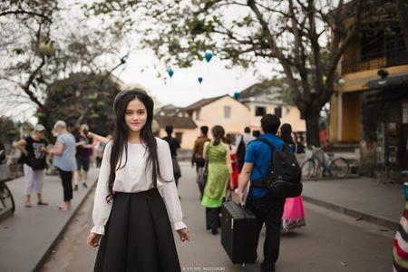 Danh tinh co gai Viet xinh dep duoc dan mang Han Quoc kiem tim - Anh 5