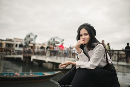 Danh tinh co gai Viet xinh dep duoc dan mang Han Quoc kiem tim - Anh 6