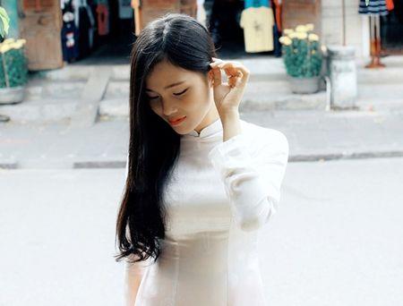 Danh tinh co gai Viet xinh dep duoc dan mang Han Quoc kiem tim - Anh 8