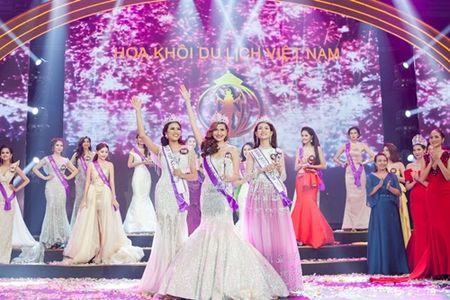 Khanh Ngan gianh vuong mien Hoa khoi du lich Viet Nam 2017 - Anh 2