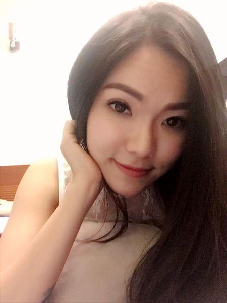 Nhan sac xinh dep, quyen ru cua vo cu Lam Vinh Hai 'an dut' Linh Chi - Anh 6