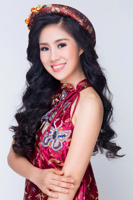 Sap lay chong, Le Phuong van vo tu dien yem dao khoe vai tran goi cam - Anh 3