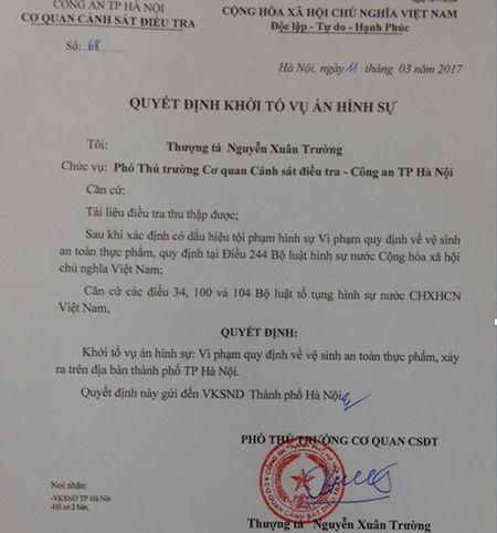 Cong an Ha Noi vao cuoc dieu tra vu ngo doc ruou chua methanol - Anh 2