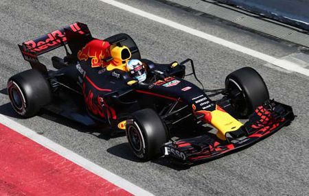 "F1, Red Bull RB13: Van la ""Ong vua"" khi dong hoc - Anh 3"