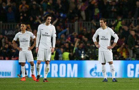 PSG thua soc Barca 1-6: CDV doat mang ban vi bi treu - Anh 1