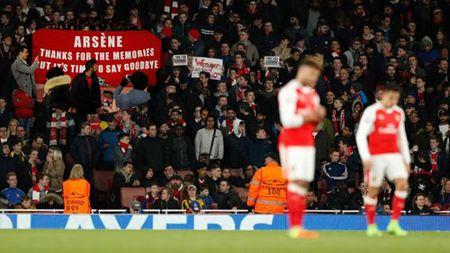 Arsenal khong dam sa thai Wenger: So het chat, mat tien - Anh 1
