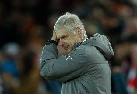 Arsenal khong dam sa thai Wenger: So het chat, mat tien - Anh 2
