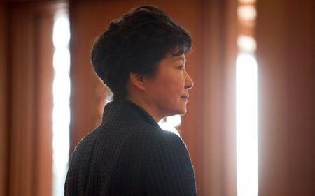 Bi phe truat, ba Park Geun-Hye suy sup - Anh 1