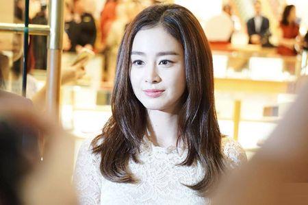 Kim Tae Hee co chong cang man ma, duyen dang - Anh 4