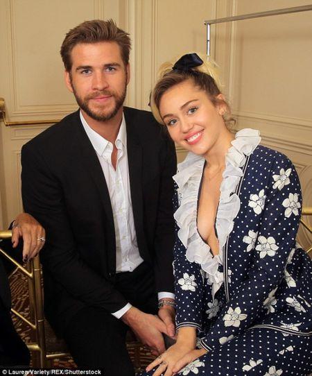 Lai ro tin Miley Cyrus da bi mat ket hon voi Liam Hemsworth - Anh 3