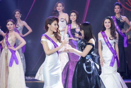 Ngoc Duyen, Hang Nguyen, Ha Thu rang ro trong buoi trao giai Miss Tourism 2017 - Anh 5