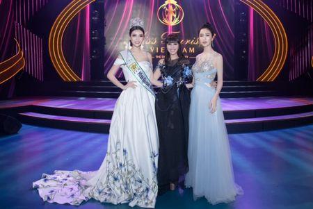 Ngoc Duyen, Hang Nguyen, Ha Thu rang ro trong buoi trao giai Miss Tourism 2017 - Anh 7