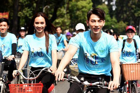 Isaac doi nang, toat mo hoi dap xe cung Ai Phuong - Anh 3