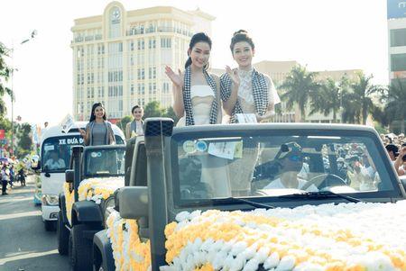 Ngoc Han, Huyen My, Ngoc Van bi 'bao vay' o Tay Nguyen - Anh 3