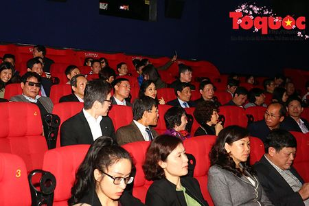 Bo truong Nguyen Ngoc Thien du Le ra mat phim bom tan 'Kong: Skull Island' - Anh 2