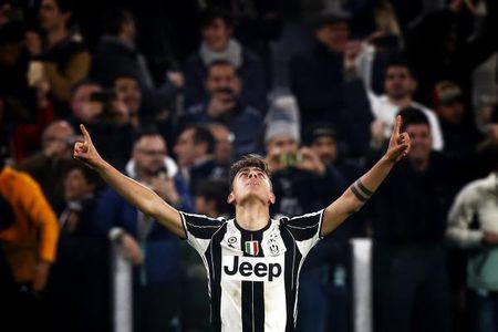 Donnarumma bat nhu sieu nhan, Milan van thua Juventus boi qua phat den tranh cai - Anh 2