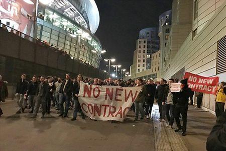 Conte benh vuc Wenger: 'Gianh ve du Champions League moi mua khong phai don gian' - Anh 1