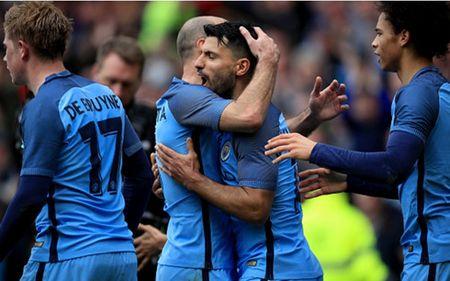 Aguero 'len tieng', Man City thang de Middlesbrough - Anh 1