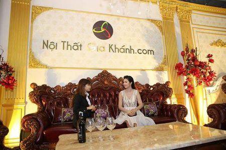 Lo dien chu nhan bo sofa tan co dien khung nhat VN - Anh 3