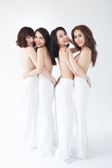 Gian nhau 10 nam, Yen Trang bat ngo chup anh nude cung May Trang - Anh 2