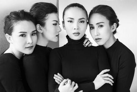 Gian nhau 10 nam, Yen Trang bat ngo chup anh nude cung May Trang - Anh 3